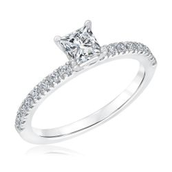 Exclusive REEDS Signature Square Diamond Engagement Ring 3/4ctw